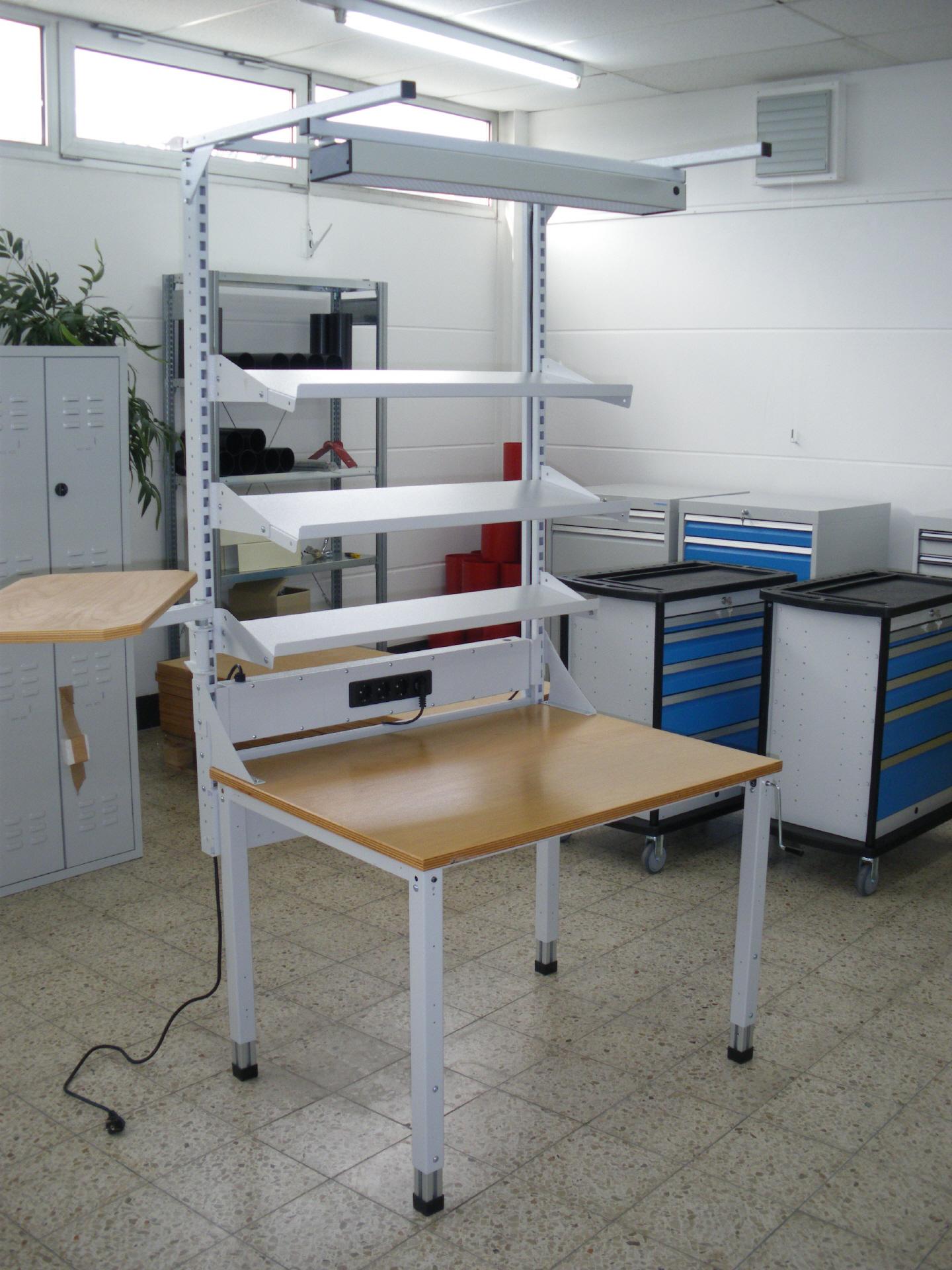 Montage Arbeitstisch Höhenverstellbar Mit Aufbau
